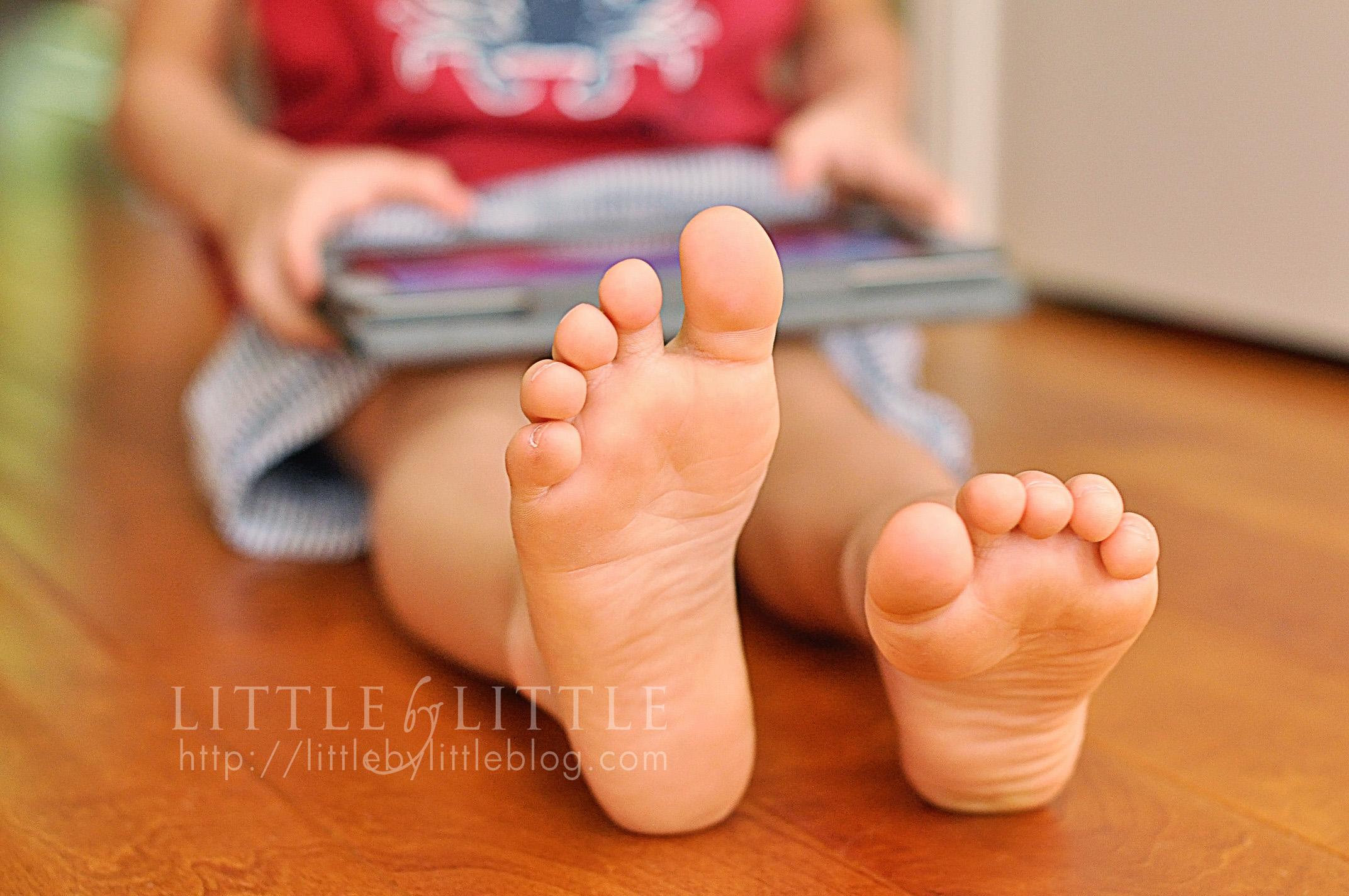 A little feet a lot f cum 3