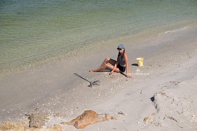 G at the beach 01-750